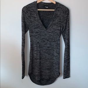 🌸2/$30🌸Wilfred Free Charcoal Open Back L/S Top